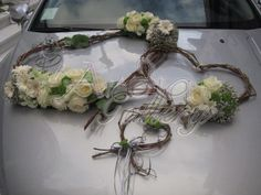 heart design using twigs Wedding Car Decorations, Wedding Favors, Wedding Bouquets, Christmas Decorations, Deco Floral, Floral Design, Floral Bouquets, Floral Wreath, Floral Wedding