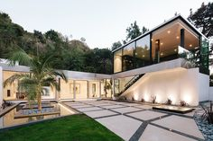 A modern renovation and addition to a mid-century home by Belzberg Architects offers sweeping canyon views of the Hollywood Hills, Los Angeles, California. Houses Architecture, Residential Architecture, Architecture Design, Hollywood Hills, Style At Home, Terrazzo, Modern Mansion, Mansions Homes, Los Angeles Homes