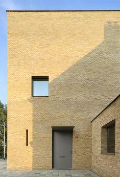 Dit woonhuis in Tilburg, bekroond met de Architectuurprijs BNA kring Midden-Brabant 2014, ontwierp Thomas Bedaux voor zijn gezin