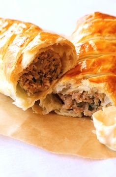 Low FODMAP Recipe and Gluten Free Recipe - Posh sausage roll    http://www.ibs-health.com/low_fodmap_posh_sausage_roll.html