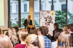 Grazer Wirtschaftsgespräche im RESOWI Zentrum mit Prof. Peter Filzmaier und Prof. Alfred Gutschelhofer - 029 Portal, Austria, Graz, Centre, Economics, Politics, Felting