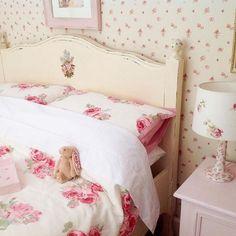 laura ashley spring summer 2016 catalog style and design icons pinterest britischer. Black Bedroom Furniture Sets. Home Design Ideas