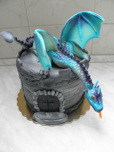 Birthday Party Decorations For Adults, Dragon Birthday Parties, Dragon Party, Birthday Cake Decorating, Dragon Ball, Twin Birthday Cakes, Fantasy Cake, Dragon Cakes, Dream Cake