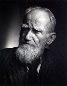 Frases e pensamentos de George Bernard Shaw. George Bernard Shaw (1856-1950) foi um dramaturgo e romancista irlandês. Prêmio Nobel de Literatura em 1925.