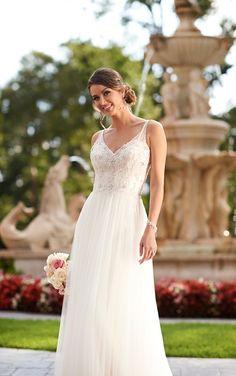 10 Best Wedding Dresses for a Beach Wedding