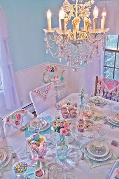 Amazing Easter or spring tablescape! Shabby chic & ever so lovely.