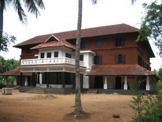 Kerala Architecture, Kerala House Design, Kerala Houses, Traditional House Plans, Indian Homes, Art Deco Home, Courtyard House, House Elevation, Bungalow
