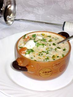 Reteta culinara Ciorba de cartofi dreasa cu ou si smantana din Carte de bucate, Borsuri, supe, ciorbe. Cum sa faci Ciorba de cartofi dreasa cu ou si smantana