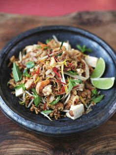 This prawn and tofu pad Thai is a quick and simple recipe from Jamie Oliver; this incredible pad Thai is bursting with authentic flavours! Thai Recipes, Seafood Recipes, Asian Recipes, Cooking Recipes, Healthy Recipes, Friday Night Feast, Cuisine, Gourmet, Recipes