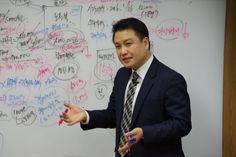 우고스 PBM 양성과정 강의(woogos Platform Business Manager) 우고스 김동혁 프로젝트 매니저님께서 플랫폼비즈니스매니저 양성하기 위한 플랫폼에 대한 내용과 우고스 쇼핑융합플랫폼에 대해서 설명하고 이해하고 알아보는 시간을 가졌습니다:) 융합플랫폼의 사례와 앞으로의 트렌드에 대해서 분석하고 로직을 설명하는 자리였습니다.~~ #우고스 #김동혁 #PBM #플랫폼비즈니스매니저 #쇼핑융합플랫폼 #쇼핑플랫폼