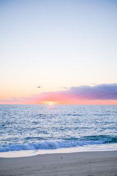 Sunrise at Great Point Beach on Nantucket Beach Vacation Spots, Beach Trip, Beach Resorts, Beach Travel, Nantucket Beach, Surfside Beach, Nantucket Island, Khao Lak Beach, Lamai Beach