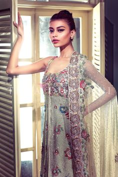 Constellation Code: B24  For queries, orders and appointments please email at info@tenadurrani.com or contact +92 321 232 4600. Visit www.tenadurrani.com to view the whole collection.