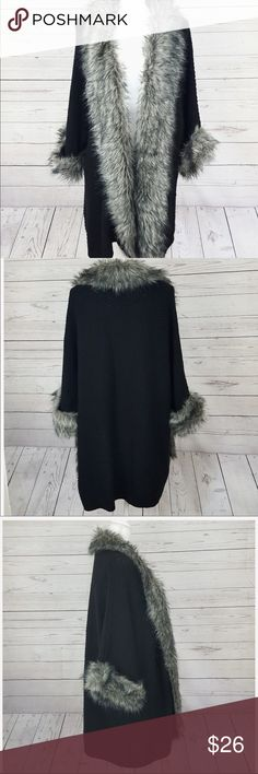 Boutique ROZ & ALI Faux Fur Cocoon Knit Sweater Boutique ROZ & ALI Faux Fur Cocoon Knit Sweater  3/4 Length Dramatic Elegant Cozy Wear over Dressy Outfits or Rocker Jeans & Satin Like New Plus Size 2X  Black Knit, Silver Grey Fur Fits Like Torrid Store Sizing  Sorry Santa it was this one  Roz & Ali Sweaters Shrugs & Ponchos