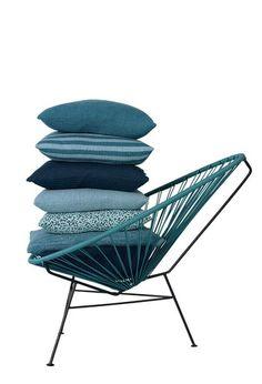 Chair Puder, i hovedsageligt strik, 50 x 50 cm, fra 599-899 kr. inkl. inderpude, Louise Roe.