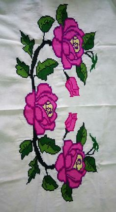 💞💞💞 Funny Cross Stitch Patterns, Crochet Shirt, Christmas Embroidery, Cross Stitch Flowers, Sewing Clothes, Crochet Flowers, Cross Stitch Embroidery, Free Pattern, Diy And Crafts