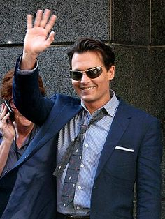 LA ISLA BONITA Johnny Depp takes time to greet his fans Thursday while continuing filming on his new movie, The Rum Diary, in San Juan, Puerto Rico. Credit: Fame Pictures Published: Friday Apr 03, 2009   05:40 PM EDT