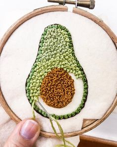 252 Likes, 0 Comments – Crochet, sewing, embroidery ( … - Stickerei Ideen Flower Embroidery Designs, Creative Embroidery, Simple Embroidery, Hand Embroidery Stitches, Modern Embroidery, Embroidery Hoop Art, Crewel Embroidery, Embroidery Ideas, Beginner Embroidery