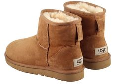 ugg boots for sale For Christmas Gift And Warm in the Winter. Winter Fashion Outfits, Teen Fashion, Winter Outfits, Casual Outfits, Fashion Trends, Ugg Mini Boots, Ugg Boots, Uggs For Cheap, Ugg Classic Mini