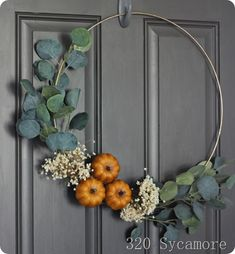 gold hoop fall wreath pumpkin and recent finds at Hobby Lobby August 2018 Gold Hoop Herbst Kranz Kürbis und aktuelle Funde in der Hobby Lobby August 2018 Easy Fall Wreaths, Diy Fall Wreath, Mesh Wreaths, Diy Projects For Fall, Fall Crafts, Fall Door, Fall Home Decor, Modern Fall Decor, Home And Deco