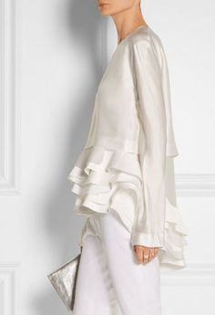 Haider Ackermann - white of course Fashion Details, Look Fashion, Womens Fashion, Fashion Design, Fashion Trends, Gothic Fashion, Komplette Outfits, White Outfits, Mode Chic