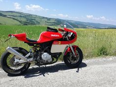 Take a peek at a handful of my most popular builds - custom-made scrambler bikes like this Ducati Motorcycles, Vintage Motorcycles, Custom Motorcycles, Custom Bikes, Norton Cafe Racer, Triumph Cafe Racer, Cafe Racers, Ducati 600, Modern Cafe Racer