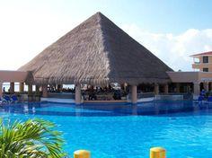 Moon Palace Golf & Spa Resort: swim up pool
