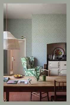 Browse through the best Bohemian kitchen photos and find inspiration for interior design ideas and home decor style at Redonline. Bohemian Kitchen, Best Kitchen Designs, Kitchen Ideas, French Fabric, Farrow Ball, Kitchen Colors, Home Decor Styles, Kitchen Interior, Decoration