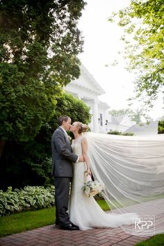 Bride & Groom at Radnor Valley Country Club - Krista Patton Photography