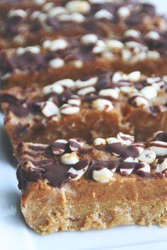 healthy snickers bars // raw, vegan, gluten-free, refined sugar-free