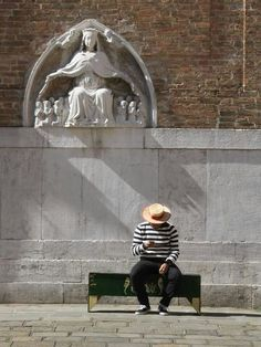 a gondolier sits and waits under a Madonna statue in San Polo quarter of Venice Santa Lucia, Driving In Italy, In Loco, Italy Art, Holiday Places, Italy Fashion, Vacation Places, Italy Travel, Statue