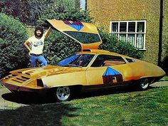 UFO UFO Home Page, devoted to the 1970 British science fiction television series UFO, created by Gerry & Sylvia Anderson and starring Ed Bishop as Commander Straker      All well before my time but