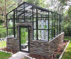 Best 39 DIY Hydroponic Gardens for Your Small House http://godiygo.com/2017/12/09/39-diy-hydroponic-gardens-small-house/ #hydroponicgardens #hydroponicsgarden #hydroponicsdiy #hydroponicgardening #hydroponicgardeningdiy #hydroponicshouseplants