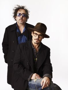 Director and Muse - Tim Burton and Johnny Depp Johnny Depp Characters, Tim Burton Johnny Depp, Johnny Depp Pictures, Hot Actors, Movie Stars, Rock And Roll, Mirrored Sunglasses, Eye Candy, Cinema