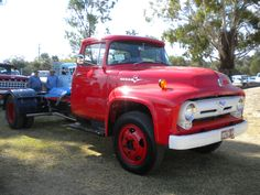 F 500 | nice old Ford F-500 v8 at the truck show | LukeRobinson1 | Flickr
