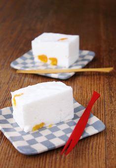 お菓子が続きます。先日、とあるケーキを作ったときに卵白が余ったので「淡雪かん」を...