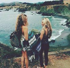 Friends always stick together. Travel buddies. Friendship Goal.