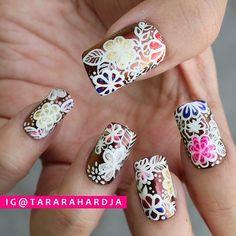 "Nail Updates — Tara Rahardja on Instagram: ""White floral nails ♡..."