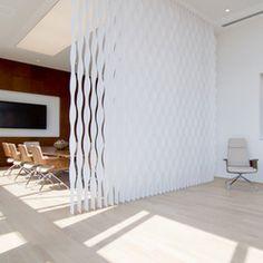 Elegantes Vertikallamellen System, Einsetzbar Im Objekt  Und Wohnbereich.  Einfache Bedienung Mit Nur
