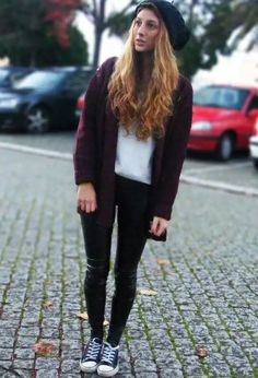 ec74a1510f0c Love this causal yet boyish look Leggings And Converse