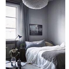 Repost: @fotografjonasberg & @styledbyemmahos For et flott soverom - et stort LIKER fra meg. Eos-lampen har jeg på lager ❤️ [www.interiorfrue.no] #vitalighting #interiørfrue