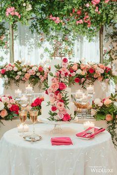 Fairytale Wedding At Casa Loma - Wedding Decor Toronto Rachel A. Wedding Centerpieces, Wedding Decorations, Cake Table Decorations, Wedding Cakes With Flowers, Flower Cakes, Wedding Cupcakes, Wedding Colors, Purple Wedding, Gold Wedding
