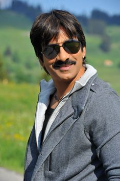Ravi Teja Height and Weight, Biceps Size, Body Measurements Ravi Teja, Mahesh Babu Wallpapers, Ek Tha Tiger, Actress Wallpaper, Top Celebrities, Comedy Films, Most Beautiful Indian Actress, Telugu Cinema, Height And Weight