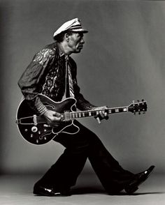Chuck Berry - American guitarist, singer and songwriter, and one of the pioneers of rock and roll music. Photo by Mark Seliger. Rock N Roll Baby, Rock And Roll Bands, Music Is Life, My Music, Charles Edward, Jimi Hendricks, Mark Seliger, Stoner Rock, Musica Popular
