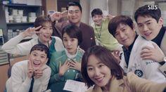 """Romantic Doctor Kim"" Has Strong Finale With Record-Breaking Prequel Episode Drama Film, Drama Series, Lee Sung Kyung Doctors, Seo Hyun Jin, Romantic Doctor, Weightlifting Fairy Kim Bok Joo, Kdrama Actors, Drama Korea, Korean Actors"