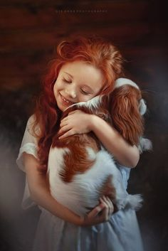 Girl and her dog, a Cavalier King Charles Spaniel Dogs And Kids, Animals For Kids, Baby Animals, Cute Animals, Beautiful Children, Beautiful Babies, Cute Kids, Cute Babies, Roi Charles