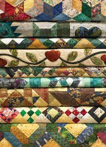 Grandma's Quilts (1000 Piece Puzzle by Jack Pine)