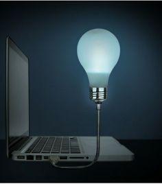 Connectez la lampe à votre ordinateur, et travaillez en silence ! Vous allez enfin pouvoir bosser (ou jouer) sans déranger votre copin(e).
