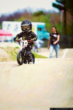 Absolutely adorable - go lil' biker, go!