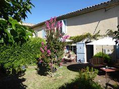 Vente d'un grand mas provençal pour gîtes ou chambres d'hôtes au Thor en Vaucluse