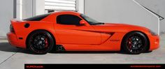 Super sweet Viper.  What a cool car...